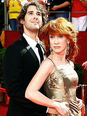 RED CARPET BAGGER photo | Josh Groban, Kathy Griffin