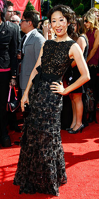 http://img2.timeinc.net/people/i/2008/specials/emmys/bestdressed/sandra_oh.jpg