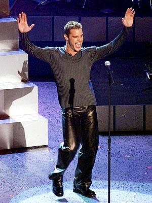 http://img2.timeinc.net/people/i/2008/specials/redcarpet/50looks/ricky_martin.jpg