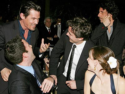 THE COOL KIDS' TABLE photo | Ben Affleck, Casey Affleck, Jennifer Garner, Josh Brolin