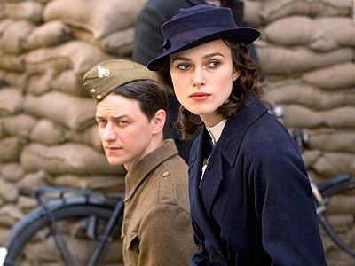 ATONEMENT photo | James McAvoy, Keira Knightley