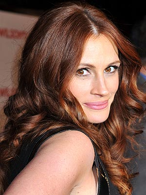 http://img2.timeinc.net/people/i/2008/specials/redcarpet/predictagown/julia_roberts.jpg