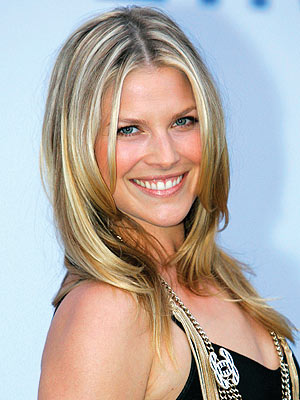 Ali Larter Sexy Photos