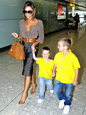 THE IPOD SHUFFLE photo | Victoria Beckham