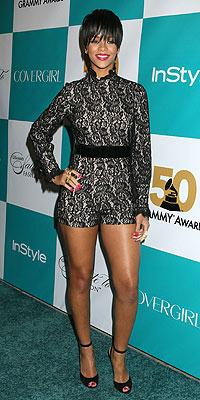 FEBRUARY 7 photo | Rihanna