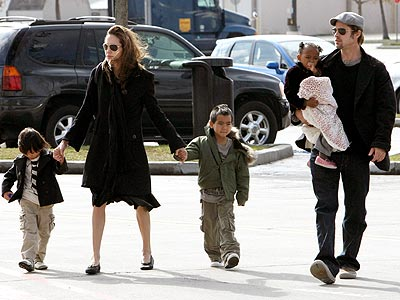 HAND IN HAND photo | Angelina Jolie, Brad Pitt