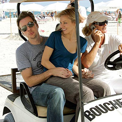CARTED AWAY photo | Dax Shepard, Kristen Bell