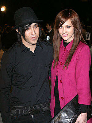 SPLITTING HAIRS photo | Ashlee Simpson, Pete Wentz
