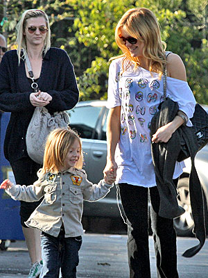 MOMMY AND WEE photo | Kate Hudson