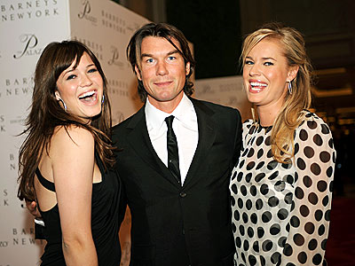 VEGAS, BABY! photo | Jerry O'Connell, Mandy Moore, Rebecca Romijn