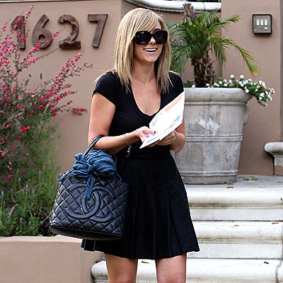 HOLLYWOOD BLACKOUT  photo | Lauren Conrad