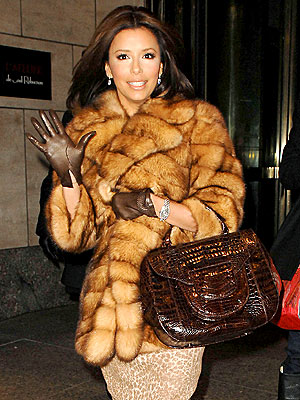 BROWN BAGGING IT photo | Eva Longoria