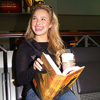 READ ALL ABOUT IT photo | Hayden Panettiere