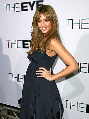 EYE OPENER photo | Jessica Alba