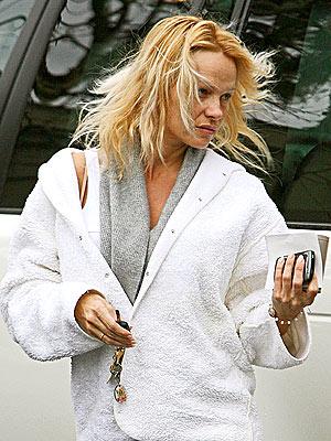 CASUAL ATTIRE photo | Pamela Anderson