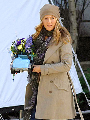 BIRTHDAY BOUQUET photo | Jennifer Aniston