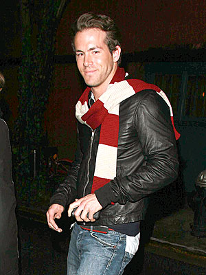 http://img2.timeinc.net/people/i/2008/startracks/080225/ryan_reynolds2.jpg