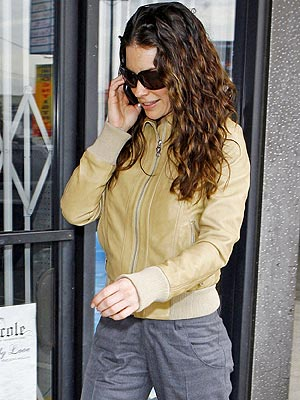 WALK & TALK photo | Evangeline Lilly