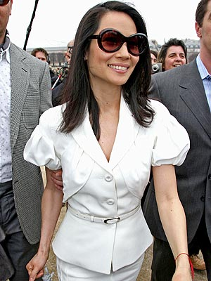 WHAT SUITS HER photo | Lucy Liu