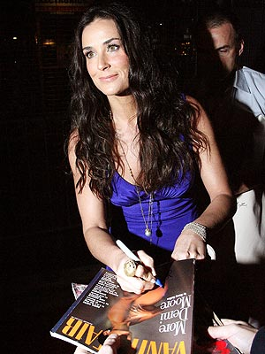 SIGNING OFF photo | Demi Moore