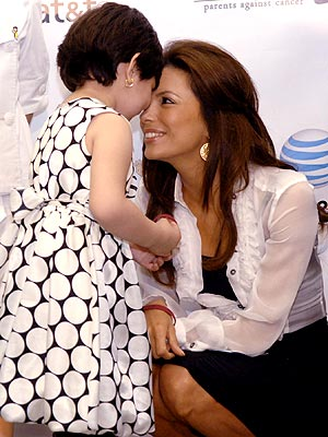 TOUCHING MOMENT photo | Eva Longoria