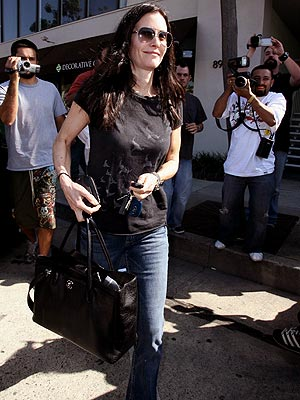 WHAT A HANDFUL  photo | Courteney Cox