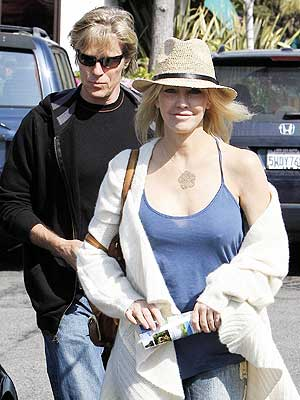 OUT AND ABOUT photo | Heather Locklear