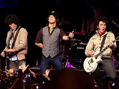 STRIKING A CHORD  photo | Jonas Brothers