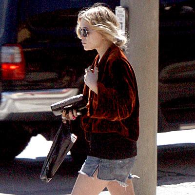LOCAL GIRL photo | Mary-Kate Olsen