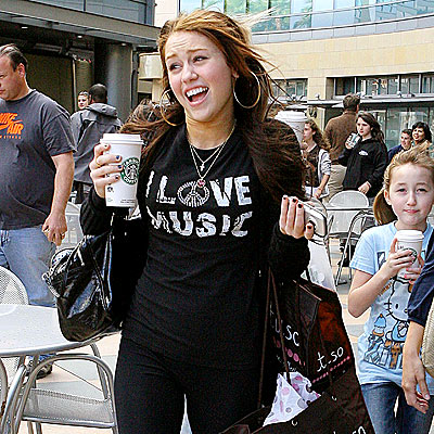 PACKED DAY photo | Miley Cyrus