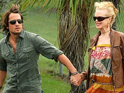 HOLDING STEADY photo | Keith Urban, Nicole Kidman