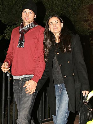 TAKE OUT photo | Ashton Kutcher, Demi Moore