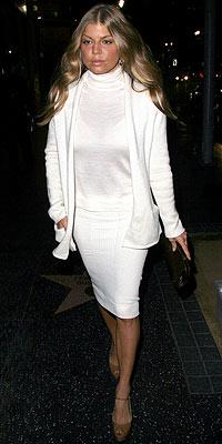 WHITE NIGHT photo   Fergie