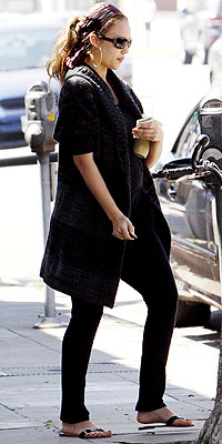 GETTING JUICED photo | Jessica Alba