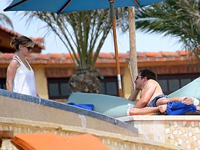 SWEET SIESTA photo | Jake Gyllenhaal, Reese Witherspoon