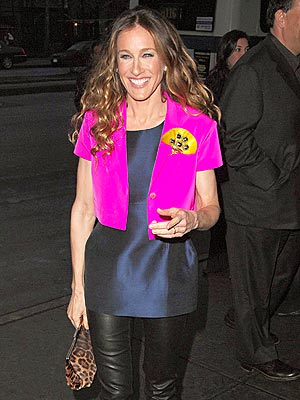 HOT PINK COLLAR photo | Sarah Jessica Parker
