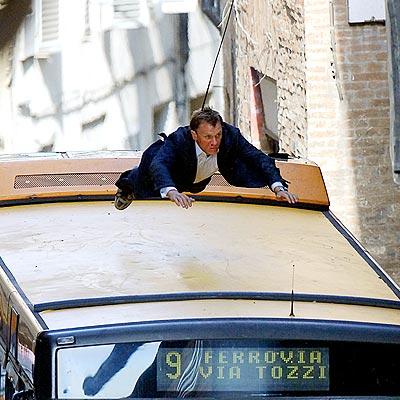 TAKING THE BUS photo   Daniel Craig