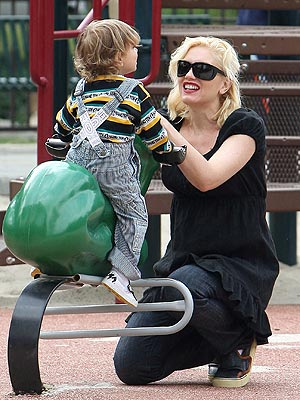 PLAY DATE photo | Gwen Stefani