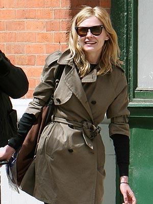 ... 10, 2008 - SHINING BRIGHT - Star Tracks, Kirsten Dunst : People.com
