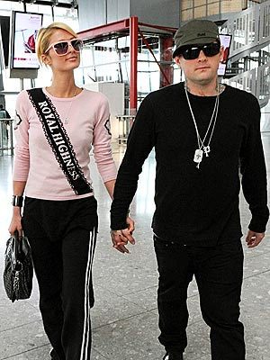 FLYING HIGH? photo | Benji Madden, Paris Hilton