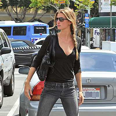 LOOKING GOOD photo | Gisele Bundchen