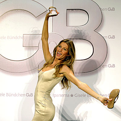 FOOT NOTE photo | Gisele Bundchen