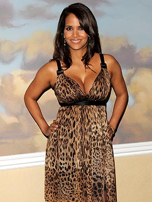 ONE HOT MAMA photo | Halle Berry