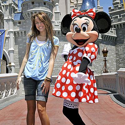 Disney Agency Miley_cyrus2400