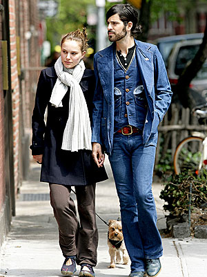 pictures of natalie portman and. Banhart, Natalie Portman