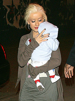 BABY CARRIER photo | Christina Aguilera