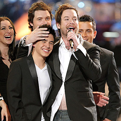 VICTORY SALUTE photo | David Archuleta, David Cook