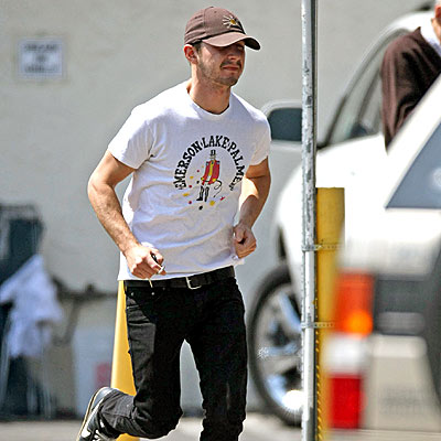 RUNNING MAN photo | Shia LaBeouf