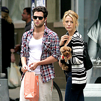blake lively y penn badgley. Is lake lively dating penn