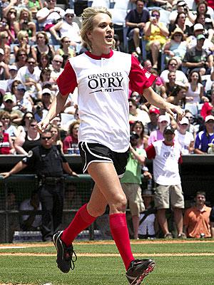 RUN, BATTER, RUN! photo | Carrie Underwood